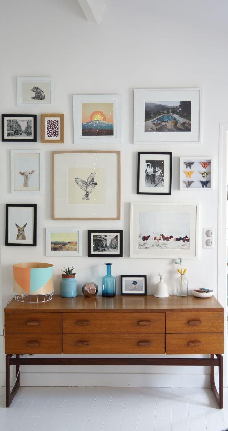 d co faites un mur de cadres anything is possible. Black Bedroom Furniture Sets. Home Design Ideas