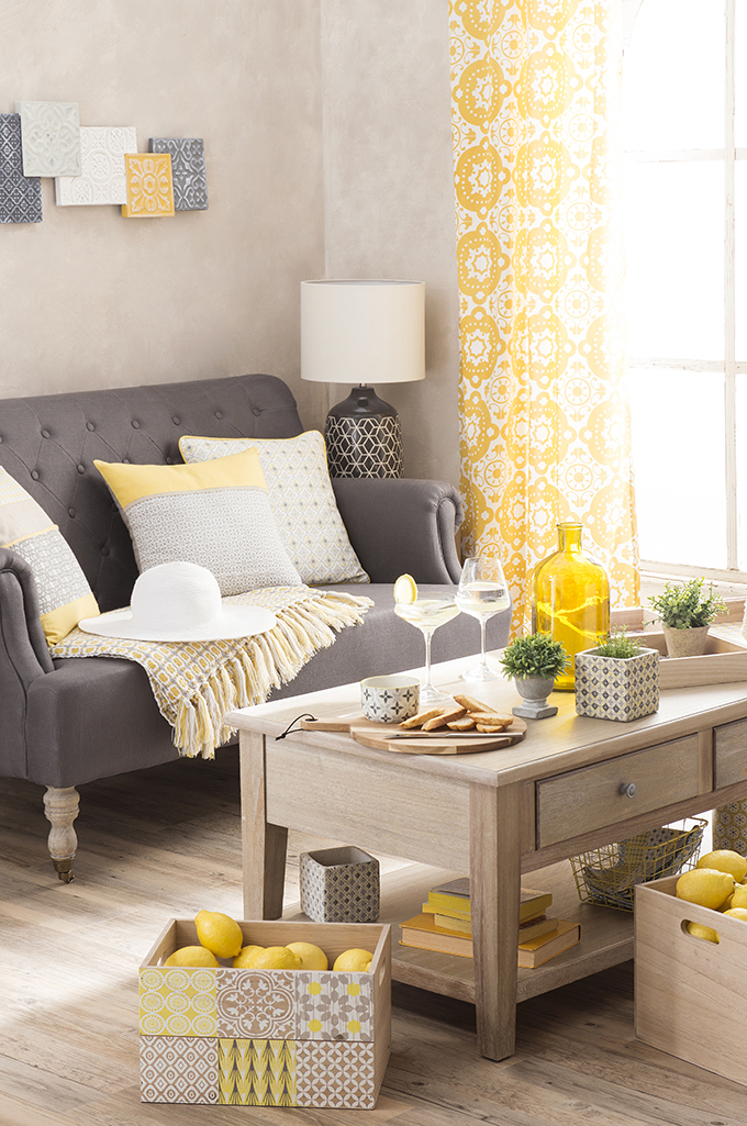 Tendance yellow summer chez maisons du monde anything for Decoration maison jaune