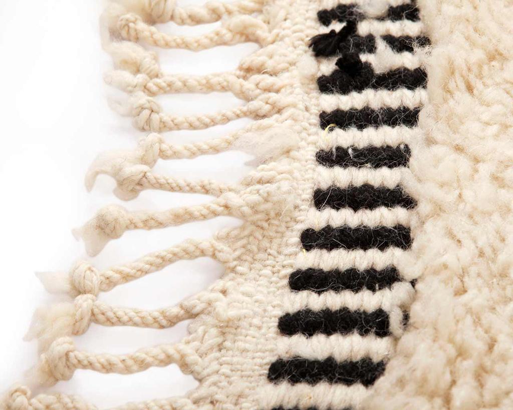franges-conception-berbère-main-laine-tapis