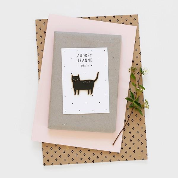 audrey-jeanne-pins-chat-noir